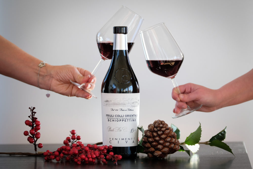 Degustazione professionale di vino rosso dei Tenimenti Civa