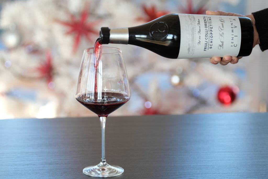 Degustazione del vino rosso Schioppettino dei Tenimenti Civa