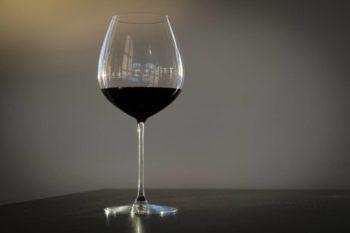 Calice vino rosso invecchiato